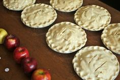 ARTICLE: The Food Lab's Apple Pie: What Are the Best Apples for Pie? (the blogger used two batches of ten pies each, using ten of the most common apple cultivars widely available in the United States.)