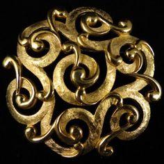 Gold Tone Swirl Design Brooch – Signed Crown Trifari