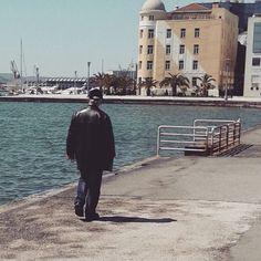 """#voloscity #greece #wandering #sunnyday #seaside #sun #happymood #amazing #oldman ⛵⛵⛵"""