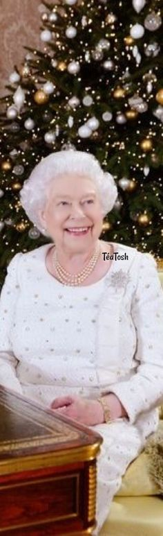 ❇Téa Tosh❇ The Queen used her Christmas Day speech to officially welcome Meghan Markle into the family