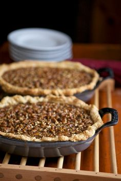 Cast iron pie plates with handles? & Marci Bykat Ceramic Pie Plate. | Food \u0026 Drinks | Pinterest | Pie ...