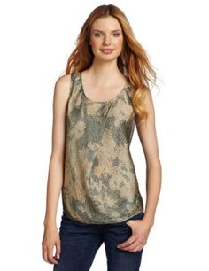 DIESEL tank This satin Diesel top has a scoop neck, asymmetrical front pleat, and a rounded hem. Love Fashion, Fashion Tips, Fashion Design, Fashion Brands, Looks Great, Clothes For Women, Tank Tops, My Style
