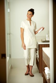 Fashionizer spa uniforms at the four seasons resort dubai for Spa uniform dubai