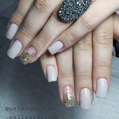 Facebook, Nails, Beauty, Instagram, Fiberglass Nails, Finger Nails, Ongles, Beauty Illustration, Nail