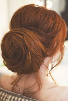 Bun hairstyles are popular wedding hairdos, and look good for different hair length. See our trendy collection of wedding bun hairstyles. Wedding Bun Hairstyles, Hairdo Wedding, Veil Hairstyles, Twist Hairstyles, Pageant Hairstyles, Twist Bun, Bright Hair Colors, Wedding Hair Inspiration, Hair Photo