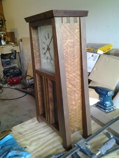 Woodworking Plans and Tools Wooden Clock Plans, Wood Clocks, Wood Plans, Antique Clocks, Craftsman Clocks, Craftsman Furniture, Craftsman Style, Japanese Woodworking, Woodworking Plans
