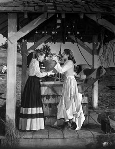 Evelyn Keyes and Ann Rutherford on the set of Gone With the Wind 1939