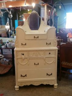 Beautiful! Jewelry lovers, come see this great dresser!