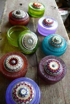 Kristina Logan Pate De Verre boxes with her beads as centrepieces. http://kristinalogan.com/shows.htm