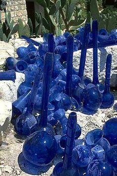 Dale Chihuly - Artist - HEBRON VESSELS JERUSALEM love it that Chihuly used locally made mouth blown glass.