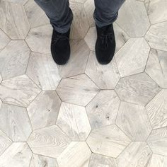 Voronoi Modular Floor Tiles wooden, geometrical pattern floor tiles with a modern look