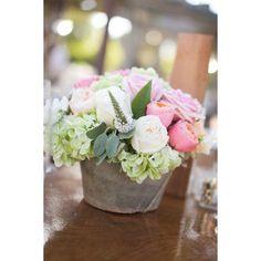 Los centros de mesa florales más románticos para bodas | HISPABODAS