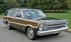 1966 Ford LTD Country Squire wagon / photo: That Hartford Guy, flickr