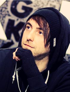 alex gaskarth spaces out so much that half the time he doesn't even know whats going on