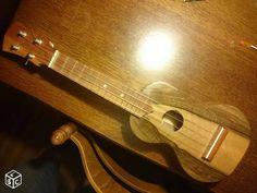 Ukulele soprano noyer massif luthier amateur