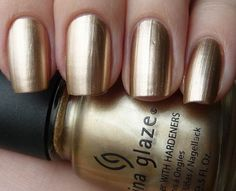 China Glaze 2030. Saw that some folks are stamping with this colour, so yay! Can finally get a good gold for stamping.