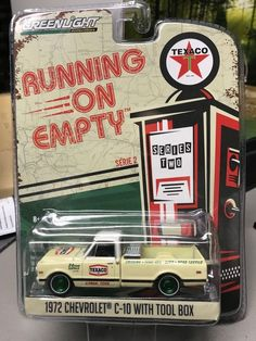 1:64 Greenlight Running On Empty S2 - 1972 Chevy C-10 With ToolBox GREEN MACHINE #Greenlight #Chevrolet