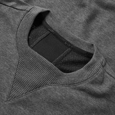 Buy the Asics fuzeX Crew Sweat in Dark Grey Heather from leading mens fashion retailer END. - only Fast shipping on all latest Asics products Sport Fashion, Mens Fashion, Sport Mode, Techniques Couture, Fashion Sewing, Sport Wear, Apparel Design, Fashion Details, Sewing Hacks