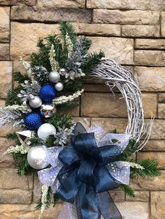 Silver Christmas Decorations, Christmas Door Wreaths, Holiday Wreaths, Christmas Diy, Holiday Decor, Sell Diy, Front Doors, Decor Ideas, Crafts