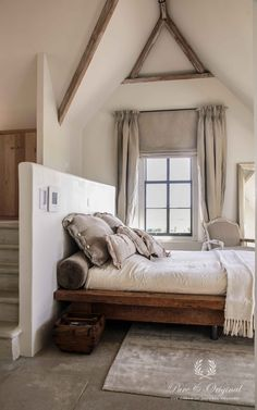 I love the simplicity of this Rustic Bedroom. Dream Bedroom, Home Bedroom, Bedroom Decor, Bedroom Alcove, Loft Bedrooms, Pretty Bedroom, Bedroom Small, Attic Rooms, Design Bedroom