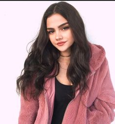 Image uploaded by lilah ♡. Find images and videos about girl, fashion and model on We Heart It - the app to get lost in what you love. Model Poses Photography, Girl Photo Poses, Girl Poses, Pretty People, Beautiful People, Foto Mirror, Foto Casual, Fake Girls, Selfie Poses
