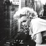 Marilyn Monroe - Balcony art print by Celebrity Image