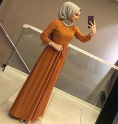 Pinterest: just4girls Abaya Fashion, Kimono Fashion, Cute Fashion, Modest Fashion, Fashion Dresses, Fashion Ideas, Hijabi Gowns, Hijab Dress, Hijab Outfit