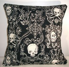 "€10.57 NEW BLACK TOILE SKULLS CUSHION COVER 16""x16"""