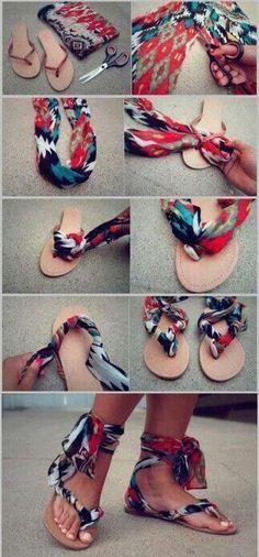 Idées pour customiser ses chaussures tongs avec un foulard, porter le foulard sur les tongs de façon originale, conseils de mode pratiques.