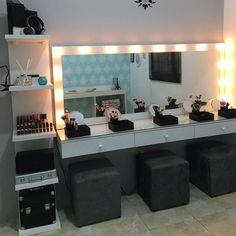 140 dressing table ideas in your room 27 Modern Home Interior Design, Salon Interior Design, Studio Interior, Salon Design, Makeup Studio Decor, Makeup Room Decor, Vanity Makeup Rooms, Vanity Room, Beauty Room Decor