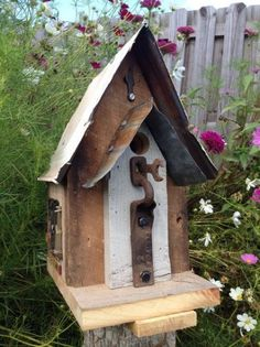 Reclaimed wood rustic birdhouse