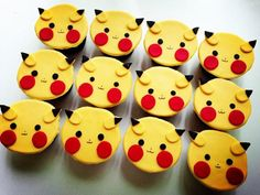 Adorable pikachu cupcakes!