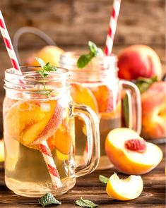 Jim Beam Peach Sparkling Lemonade - Whether your weekend plans involve the lake, beach, picnic blanket, or sofa this drink will fit right in. Nothing is more refreshing during the summer than lemonade (or iced tea), especially if it has a little kick! Sparkling Lemonade, Peach Lemonade, Jim Beam, Easy Meals For Two, Quick Easy Meals, Drinks Alcohol Recipes, Tea Recipes, Peach Drinks, Cocktail Drinks
