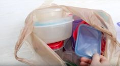 Let's do a bit of an experiment… Open up your kitchen cupboards and pull out the food storage containers that you actually use regularly. Crazy, right? Tupperware Organizing, Food Storage Containers, Kitchen Cupboards, Staying Organized, Home Organization, Something To Do, Experiment, Pantry, Tips