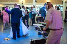 Vă ofer serviciu de consultanță de nuntă și intermediere prestatori de servicii. Organizare completă de nună. Organizare evenimente, organizare nuntă, aranjamente florale, decoratiuni de nunta, invitatii de nunta, formatii, DJ, fotograf, videograf, staroste, MC