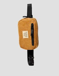 Riñonera pana - Nuevo | Stradivarius España Crossbody Bags For Travel, Backpack Bags, Best Bags, Girls Accessories, My Bags, Corduroy, Belt, Shoulder Bag, Purses