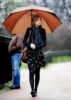 Taylor Swift winter outfit fall outfit black look Taylor Swift Moda, Taylor Swift Outfits, Taylor Swift Style, Swift 3, Taylor Swift Fashion, Taylor Swift Casual, Fashion Mode, Look Fashion, Womens Fashion