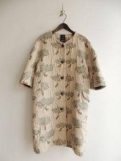 Mina Perhonen Japanese Fashion Designers, Shabby Look, Boho Inspiration, Coat Patterns, Vintage Coat, Fashion Story, Nice Dresses, What To Wear, Cool Outfits