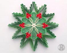 Quilled Snowflakes, Quill - Quilling Deco Home Trends Quilling Jewelry, Neli Quilling, Paper Quilling Patterns, Quilled Paper Art, Quilling Paper Craft, Paper Crafts Origami, Paper Beads, Quilling Christmas, Christmas Ornaments
