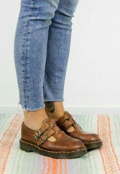 I love shoes that buckle. Give me a double buckle and I give you a hearty handshake. Vintage Dr Martens Brown Mary Jane Shoes UK 4 I want these. Shoes Uk, Sock Shoes, Cute Shoes, Me Too Shoes, Shoe Boots, Flat Shoes, 90s Shoes, Shoes Sneakers, Doc Martens Outfit