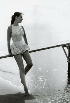 Vintage Beach Party, German Fashion, Weekend Style, Woman Beach, Beachwear, Swimwear, Vintage Fashion, 1950s Fashion, Fashion Photography