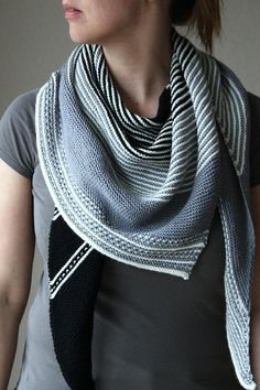 Drachenfels Knitting pattern by Melanie Berg | Shawl knitting pattern with stripes | affiliate