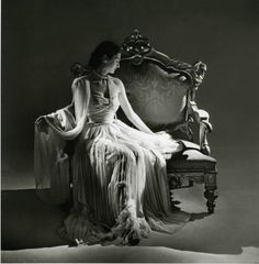 Dior 1948 - photo by Willy Maywald