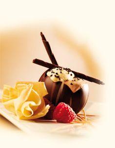 Mousse au chocolat avec espuma de tiramisu