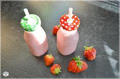Dziś tematem będzie koktajl truskawkowy. Kiedy korzystać z dobrodziejstw tych wspaniałych owoców jak nie teraz, gdy można je dostać na każdym kroku?