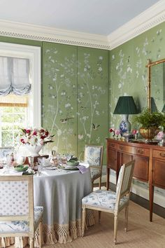 Classical Architecture and Vivacious Patterns Mix Artfully in Designer Caroline . Classical Architecture and Vivacious Patterns Mix Artfully in Designer Caroline Gidiere's Home t Dining Room Curtains, Dining Chairs, Dining Rooms, Architecture Classique, Chinoiserie Wallpaper, De Gournay Wallpaper, Georgian Homes, Birmingham Alabama, Décor Boho