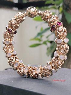Pandora Bracelet Charms, Charm Bracelets, Pandora Jewelry, Pandora Gold, Jewelry Accessories, Women Jewelry, Arm Candies, Jewerly, Bangles