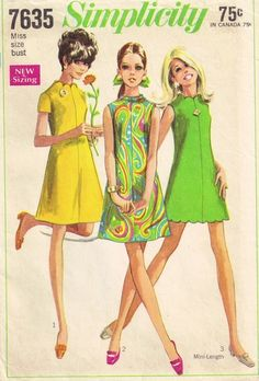My mom made me the green one out of yellow kettlecloth and i had matching capezio shoes to match. Simplicity 7635 Misses Dress Pattern Twiggy Mini Dress with scalloped neck and hemline womens vintage sewing pattern by mbchill Retro Mode, Vintage Mode, Moda Vintage, Vintage Outfits, Robes Vintage, Dress Vintage, Vintage Clothing, Vintage Apron, Vintage Dress Patterns