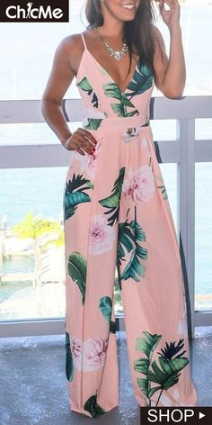 Tropical Print V Neck Wide Leg Jumpsuit Wide leg jumpsuits outfits 2020 Chic Outfits, Dress Outfits, Fashion Dresses, Tropical Outfit, Jumpsuit Outfit, Pants For Women, Clothes For Women, Cute Summer Outfits, Jumpsuits For Women