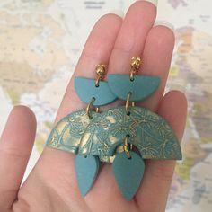 Fabric Jewelry, Diy Jewelry, Jewelery, Jewelry Design, Jewelry Making, Diy Clay Earrings, Blue Earrings, Polymer Clay Jewelry, Polymer Clay Projects
